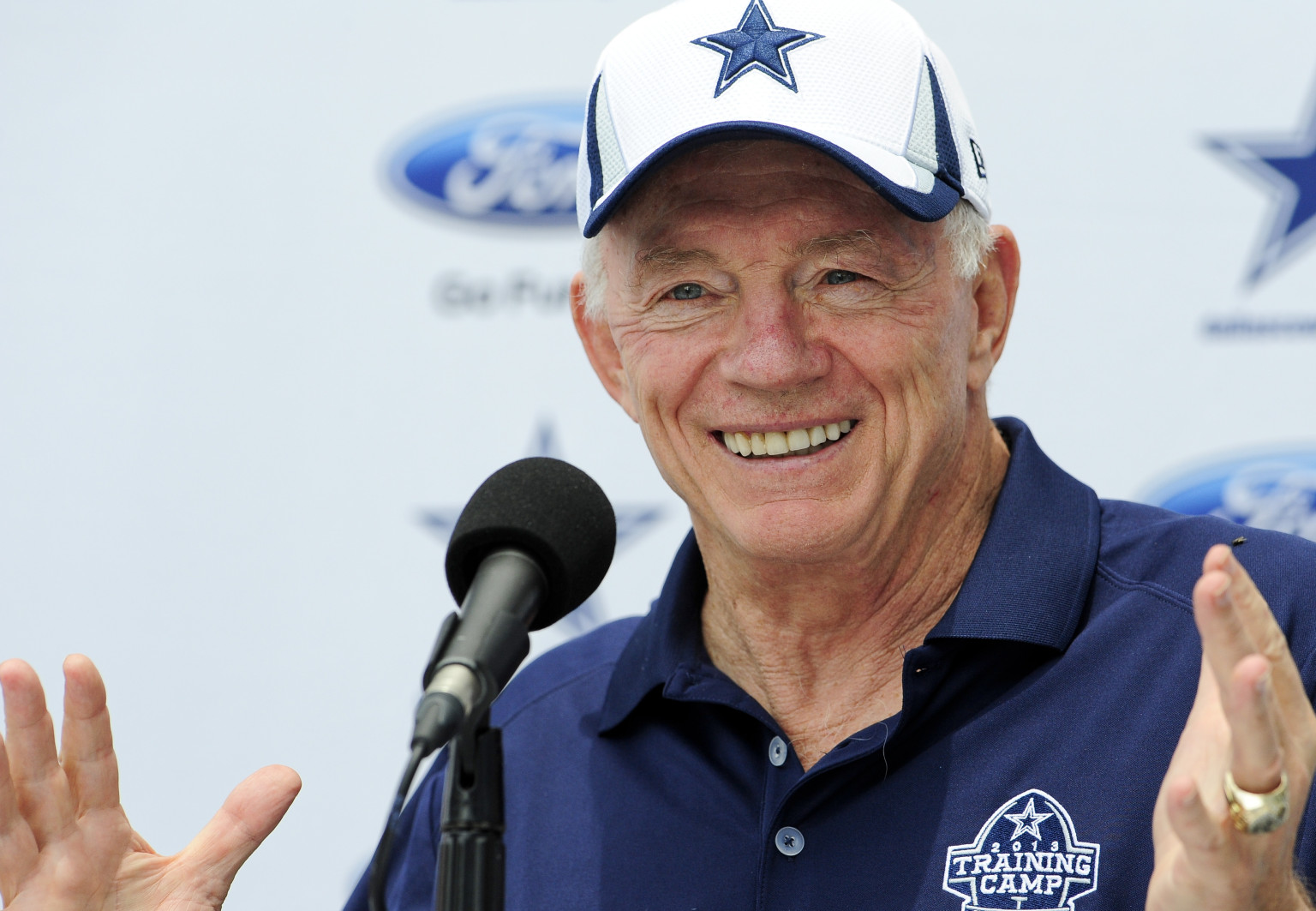 Breaking News: Jerry Jones named Cowboys Head Coach