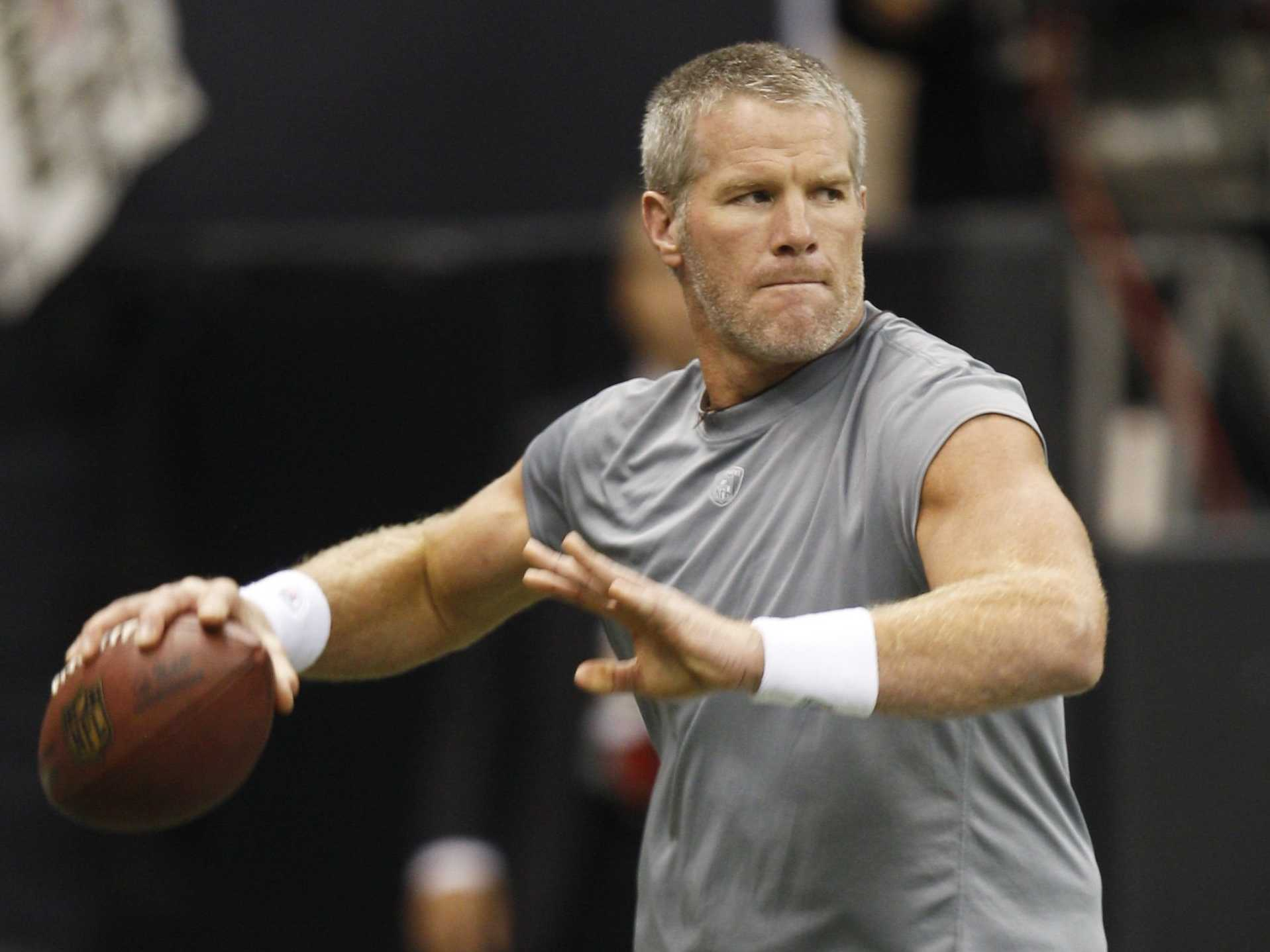 Brett Favre Planning Return To NFL Yet Again